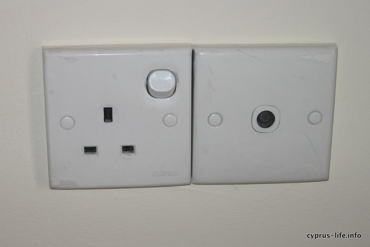 power sockets in Cyprus, UK style